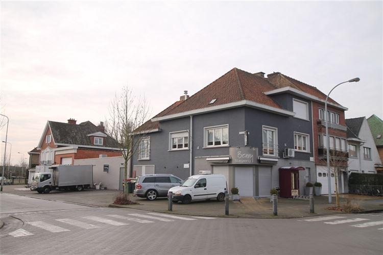 Handelspand met woonst te koop in Kortrijk